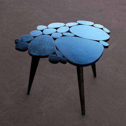 Circles table black
